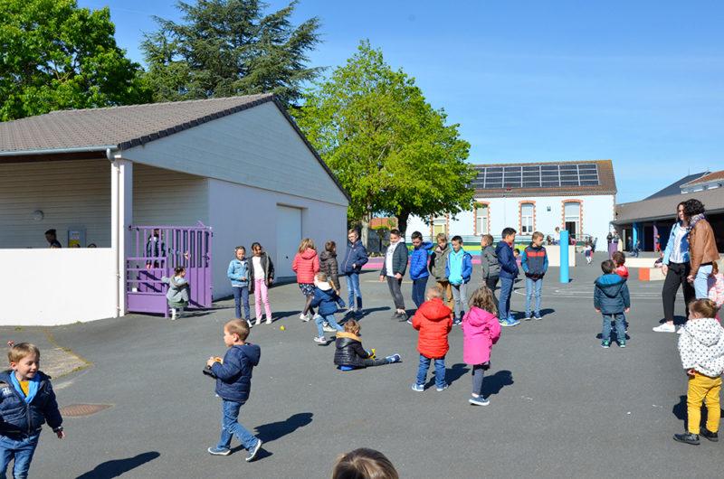 Photo 4 de la cour maternelle